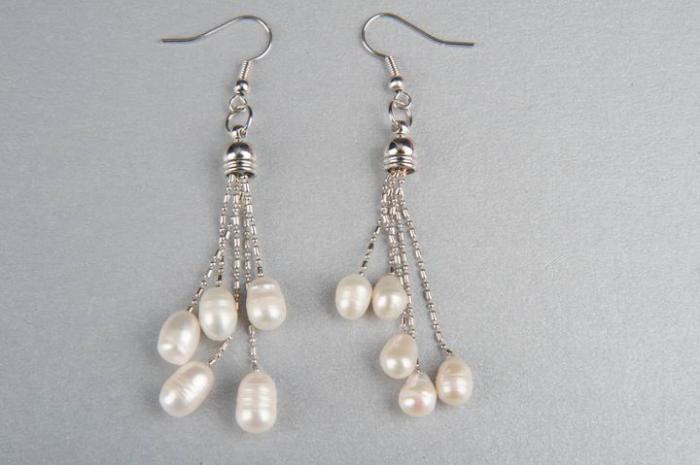 Дълги обици с  5 естествени  перли