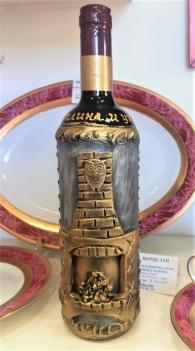 снимка на Бутилка с червено вино