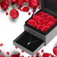 Кутия за бижу с рози