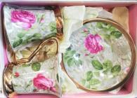 Комплект с цветя