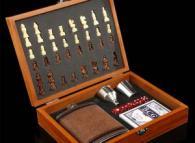 снимка на Подаръчен комплект за мъж  шах с карти