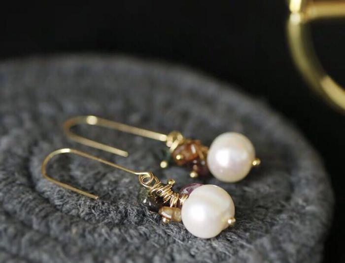 Красиви обици с перли