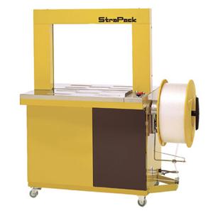 снимка на StraPack AQ  – автоматична машина за опаковане с пластмасова чембер лента