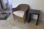 снимка на мебел от ратан за тераса