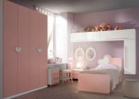 снимка на Детска стая в бяло и розово