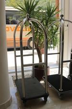 Луксозни колички за пиколо за морски комплекси