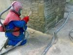 Професионално почистване на повърхности с пясъкоструйка