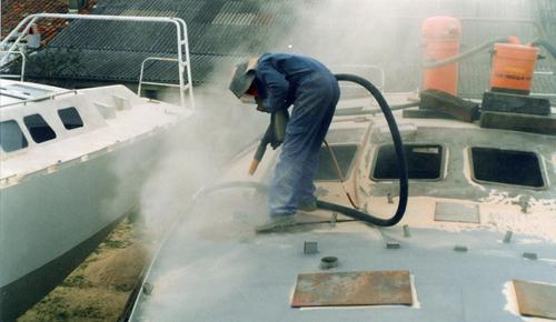 Почистване на повърхности с пясъкоструен апарат