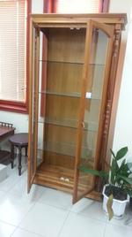 български стъклени дървени витрини