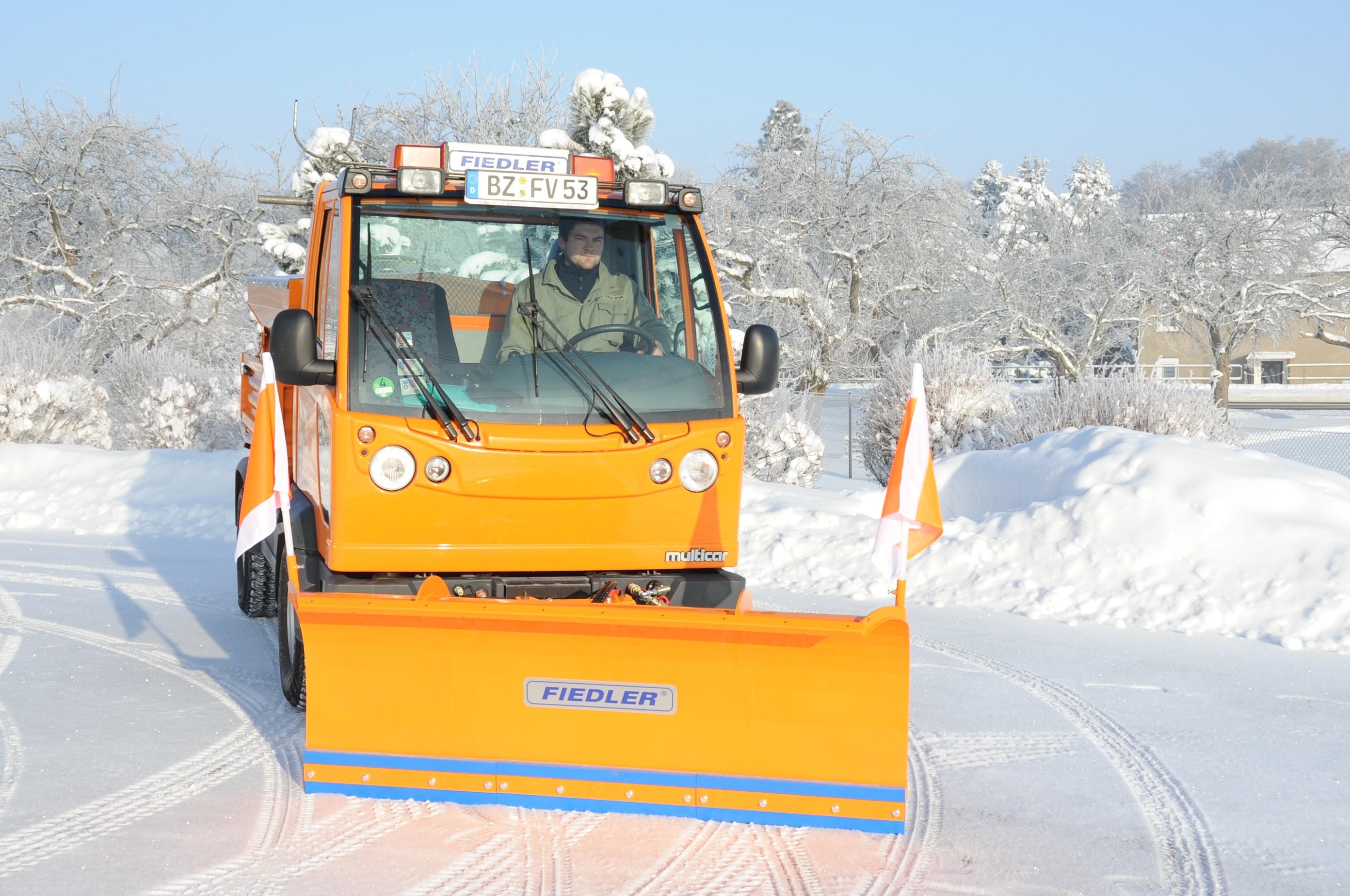снимка на Прави и Vобразни хидравлични снегорини FIEDLER