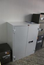 снимка на Работен метален шкаф за класьори поръчков Пловдив