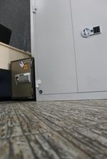 снимка на Офис метални шкафове за класьори за офис Пловдив